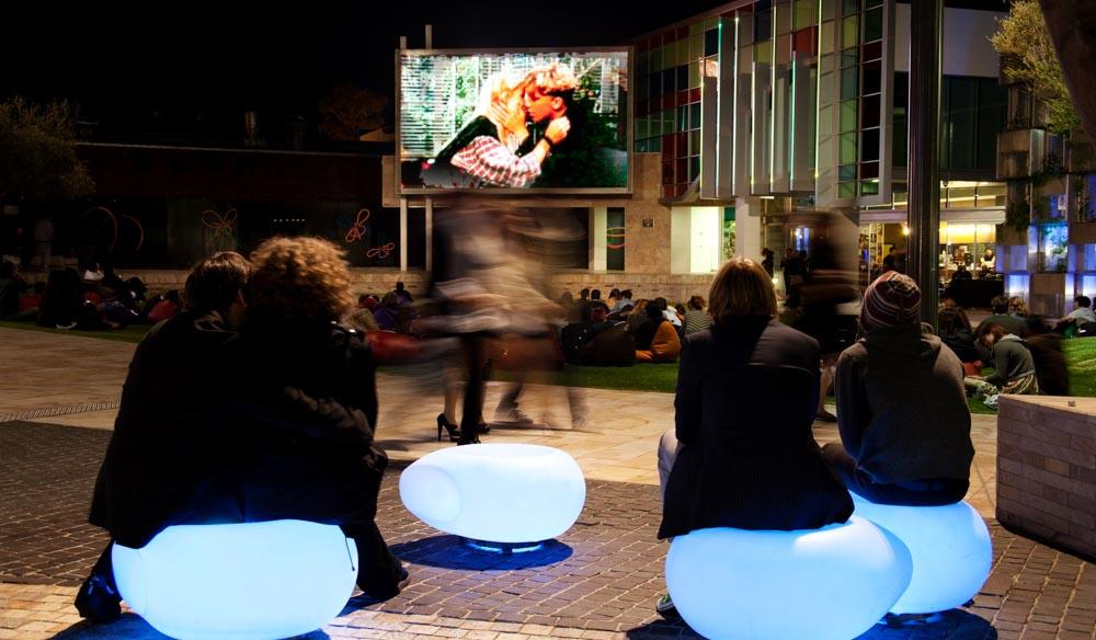 movies food srinks bar wi-fi perth Northbridge Piazza