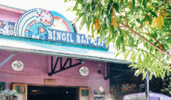 Hippy vibe, bushy-courtyard and great seafood laksa: Bingle Bay Café (photo: Elise Hassey).