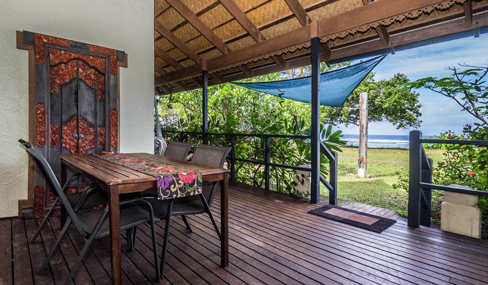 Stay in paradise at Cocos Castaway