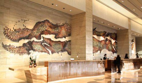 Ceramic mural of the Swan River, Crown towers lobby, Perth (photo: Fleur Bainger).