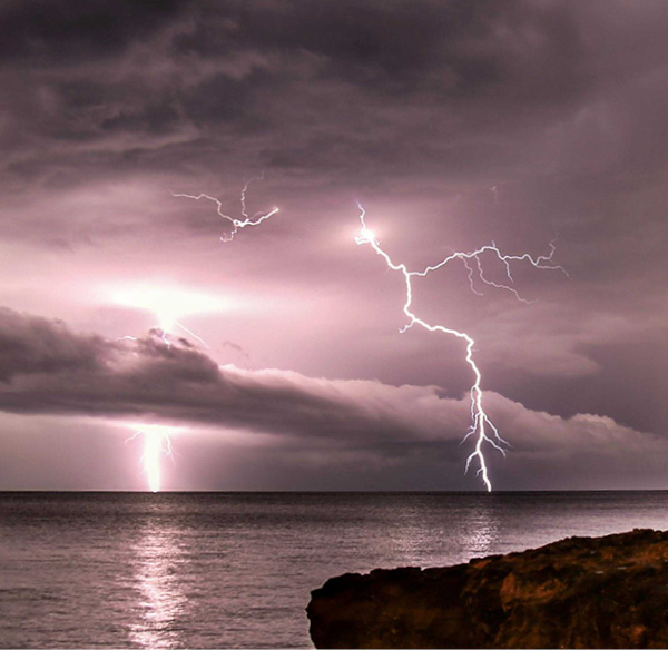 Lightning Nightcliff Beach, Darwin