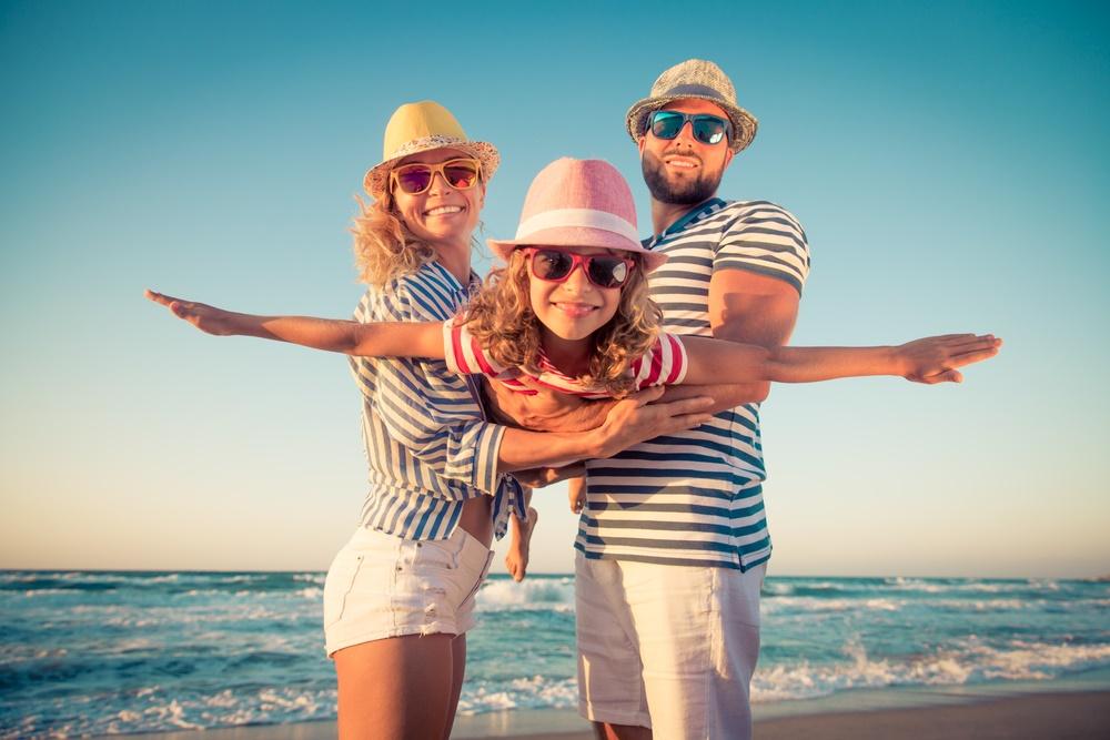 Gold-coast-family-enjoying-beach