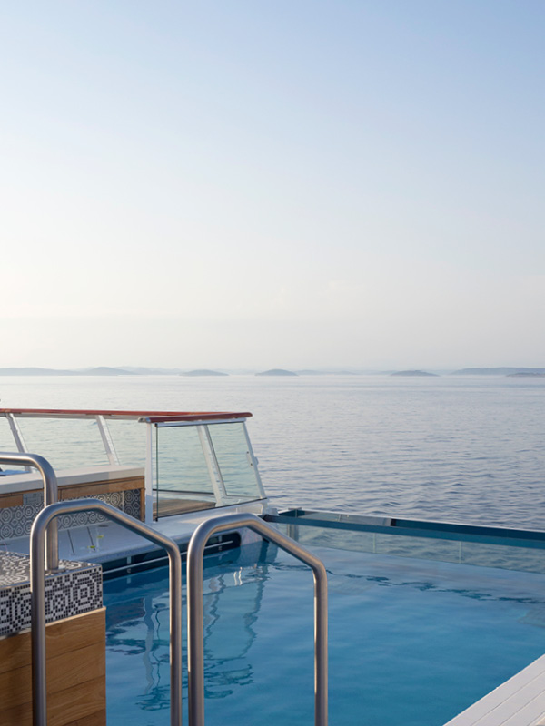 Pool deck, Viking Cruises