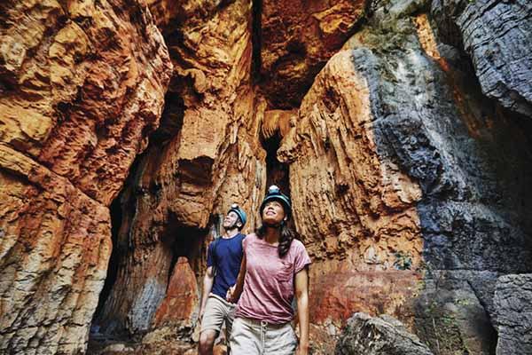 Mimbi Caves with Girloorloo Tours