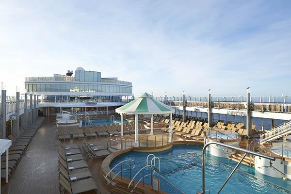 Norwegian Jewel Pool Deck