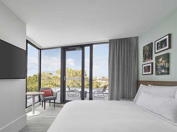 Balcony King Room Element Hotel Richmond