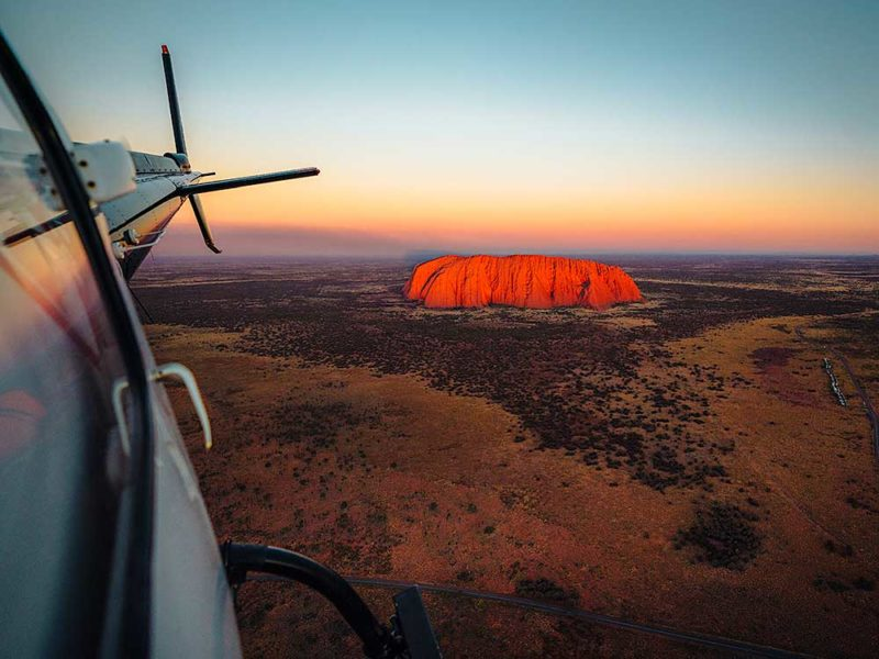 Uluru sunrise helicopter tour