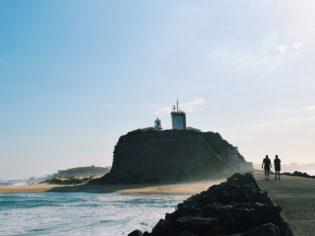 nobbys lighthouse newcastle
